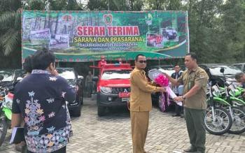 Kadishut Sri Suwanto serahkan kendaraan operasional ke 18 KPH se Kalteng