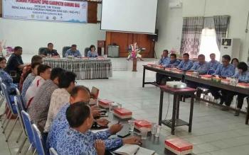 Anggota DPRD Gumas dari Komisi II menggelar RDP dengan Tim Teknis Rencana Aksi Daerah Pangan dan Gizi (RAD-PG) di aula kantor BP3D, Rabu (29/11/2017) sore.