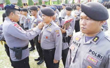 Kapolda Kalteng Brigadir Jenderal Anang Revandoko memimpin serah terima jabatan tujuh kapolres dan tiga pejabat Polda, Kamis (30/11/2017).
