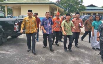 Gubernur Sugianto didampingi empat kadis lakukan sidak SMAN 3 Palangka Raya, Kamis