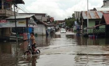 Salah satu ruas Jalan Imam Bonjol yang tergenang banjir