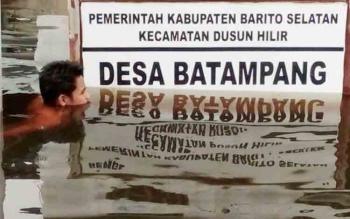Beginilah kondisi banjir di Desa Batampang, Kecamatan Dusun Hilir. Namun hingga saat ini belum ada bantuan dari Pemkab Barito Selatan