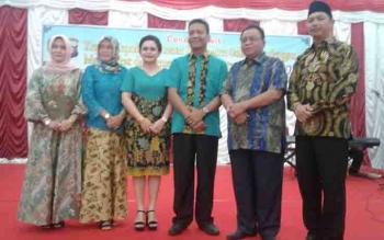 Bupati Sukamara, Ahmad Dirman, dalam kenal pamit Kapolres Sukamara dari pejabat lama dan baru.