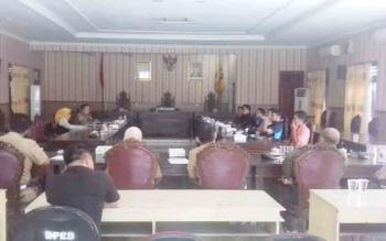 Rapat dengan produsen rokok di DPRD Kotim.