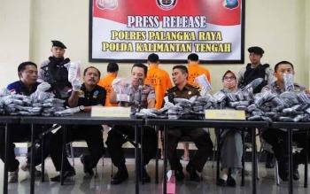 Polres Palangka Raya menggelar press release pengungkapan pil PPC (somadril) dan sabu-sabu.