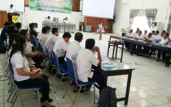 Plt Sekda Gunung Mas, Ambo Jabar membuka kegiatan Workshop Evaluasi Pelayana Sosial Dasar (PSD), Rabu (6/12/2017)