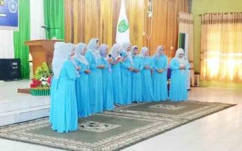Grup sholawat saat mengisi acara Maulid Nabi Mumammad SAW yang digelar TP. PKK Sukamara.