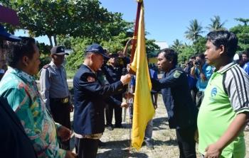 Bupati Kapuas Ben Brahim S Bahat kembali mengukuhkan Pengurus Karang Taruna dan Kelompok Informasi Masyarakat (KIM) di dua kecamatan yakni Kapuas Kuala dan Selat, Jumat (6/12/2017).