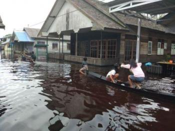 Desa Dadahup yang terendam banjir