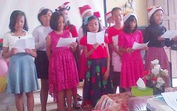 Murid SDN 4 Buntok saat tampil dalam perayaan Natal sekolah