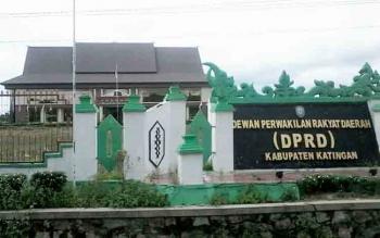Gedung DPRD Katingan tampak megah. Aktivis di Katingan minta anggota DPRD Katingan meningkatkan kinerjanya.