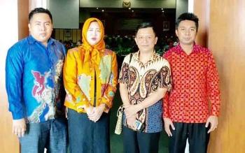 Empat Anggota DPRD Barito Utara, Helma Nuari Fernando, Rujana Anggaraini, Taufik Nugraha dan Mustafa Joyo Muchtar saat melakukan kunjungan kerja
