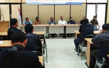 kegiatan konsulidasi PWI Barito Utara bersama PWI Jawa Timur.