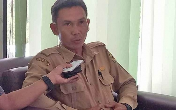 Kepala Seksi Pengembangan Lahan dan Irigasi Dinas Pertanian dan Ketahanan Pangan Kabupaten Gunung Mas Imanuel Rajani memberikan keterangan kepada wartawan.