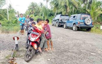 Desa Sungai Buntu, Kecamatan Pantai Lunci Kabupaten Sukamara.