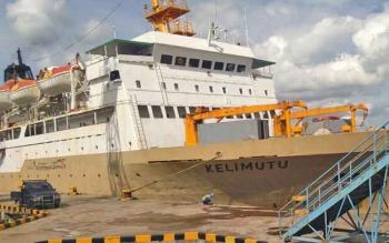 KM Kelimutu bersandar di Pelabuhan Sampit.