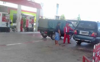 SPBU Jalan Jenderal Sudirman Km 11, Sampit saat disidak Komisi II DPRD Kotim.
