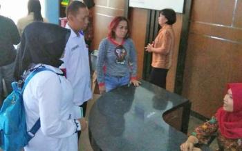 Sejumlah nasabah yang merasa dirugikan meminta pertanggungjawaban kepada karyawan CU-EPI