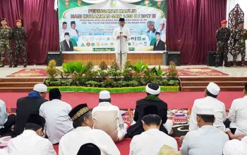 Walikota Riban Satia saat Sambutan pada acara Peringatan Maulid Nabi SAW di rujab jalan Diponegoro
