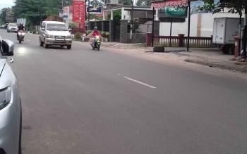 Aktivitas lalu lintas di Kota Sampit.
