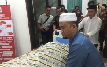 Jenazah Syarifah Fatmah binti Abbas bin Salim Bahasyim, ibunda Wakil Gubernur Kalteng Habib Said Ismail.