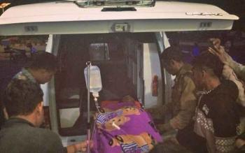 Tampak korban penusukan saat akan dirujuk dari RSUD Lamandau ke RSUD Imanuddin Pangkalan Bun, Kamis (14/12/2017) malam.