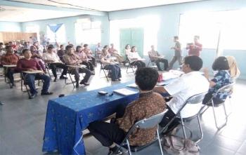 Seluruh pegawai PDAM Palangka Raya mengikuti tes psikotes, Sabtu (16/12/2017)