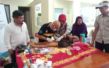 PLN Rayon Kuala Kapuas Manfaatkan Momen Liburan untuk Gelar Sunatan Massal