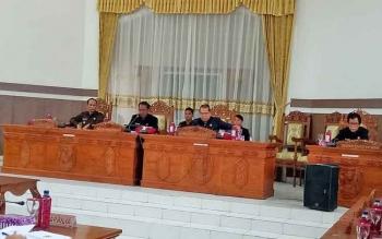 Ketua DPRD Gunung Mas Pimpin Rapat Paripurna