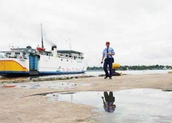 Penumpang KM Dharma Kencana Dilaporkan Jatuh ke Laut di Gosong Senggora