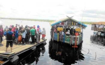 Antrean Terlalu Panjang, Wisatawan Batal Naik Perahu Wisata