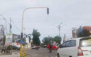 Polisi Imbau Lampu Lalu Lintas di Jalan Iskandar Segera Diperbaiki
