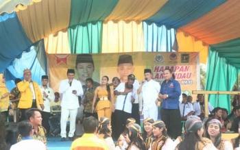 Pulang Dari KPU, Hendra-Riko Gelar Syukuran di Sematu Jaya