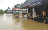 Sungai Kahayan Meluap, Permukiman Warga Kelurahan Tampang Tumbang Anjir Terendam