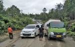 Jalan Rusak di Ruas Kuala Kurun-Palangka Raya Sebabkan Antrean Panjang