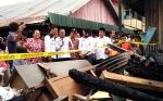 Bupati Kotawaringin Timur Temui Korban Kebakaran di Taluk Dalam