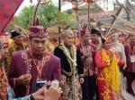Perpaduan Budaya Warnai Prosesi Pertemuan Sugianto-Ivo