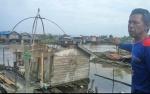 Atap Rumah Warga di Pinggiran Sungai Arut Diterpa Angin Puting Beliung