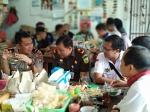 Kapolda Kalteng Sarapan Bareng Wartawan di Sampit