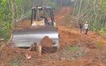 Warga Tagih Pembangunan Jalan Desa Hajak Menuju Malawaken