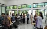 148 Guru SMA Se-Kalteng Bimtek Pengembangan Kurikulum 2013