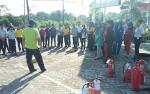 Damkar Kobar Kembali Lakukan Penyuluhan Pencegahan Bahaya Kebakaran
