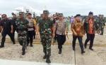 Sambut Kapolri dan Panglima TNI, Anggota DPR RI Ini Kenakan Jaket Banser