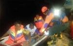 Aparat Polsek Bukit Batu Evakuasi Korban Banjir