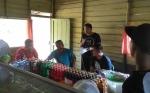 Polisi dan Pendemo Angkutan Batubara Duduk Bersama di Warung Kopi untuk Negosisasi