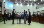 Ketua DPRD Palangka Raya Lantik PAW Rusliansyah dan Umi Mastikah