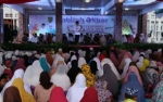 Penuhi Permintaan Ibu-Ibu, Gubernur Undang Ustadzah Oki Setiana Dewi