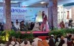 Ustadzah Oki Setiana Dewi Ceramah di Istana Isen Mulang