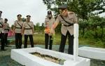 Jajaran Polres Barito Utara Peringati Hari Bhayangkara Dengan Ziarah ke Makam Pahlawan
