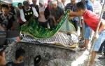 Rizky Ahmad, Pemuda yang Dipatuk King Cobra Dimakamkan